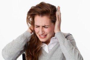 Alteración auditiva mujer